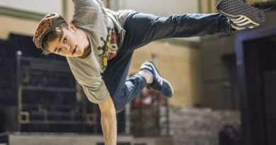 "VICKY: ""Dansul, o evadare intr-o lume doar a mea"""
