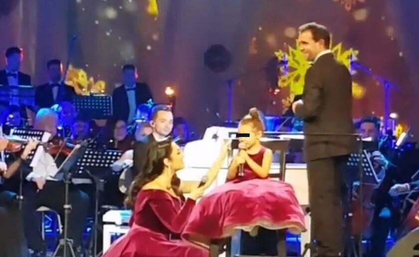 Eva Măruță face spectacol! Andra a cântat pentru prima dată pe scena alături de fiica sa!