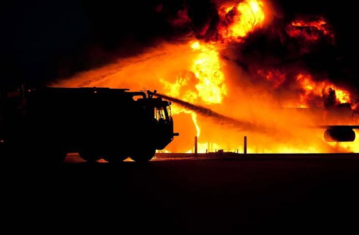 Foto: Incendiu pe Șoseaua Fundeni! Locuitorii avertizați să se adăpostească!