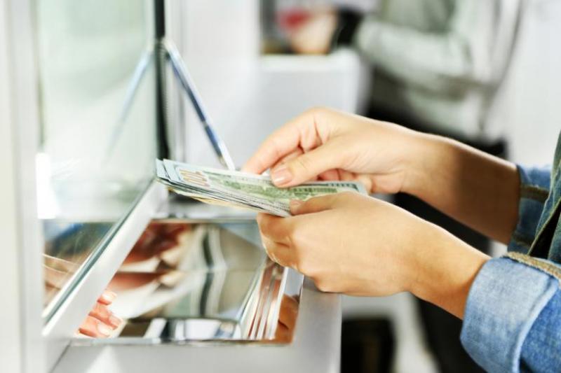Ratele românilor la bănci vor putea fi amânate!
