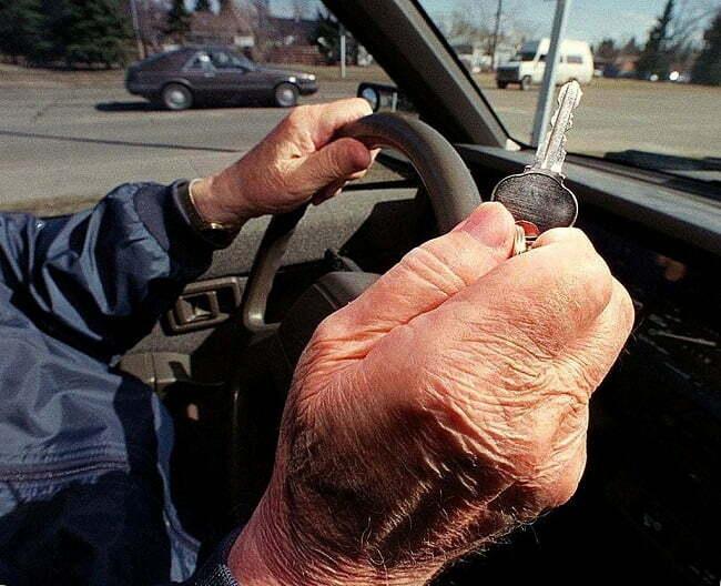 sofer de 97 ani a produs un accident
