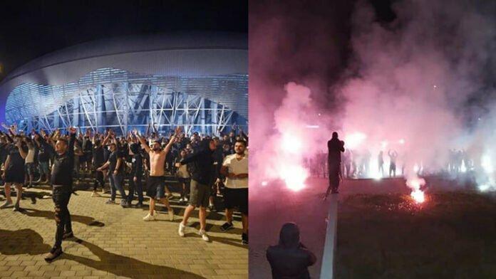 suporteri pe stadion la Craiova
